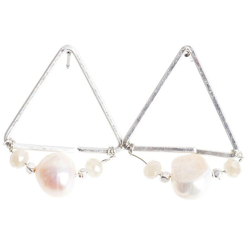 Pendientes triángulo perla plata