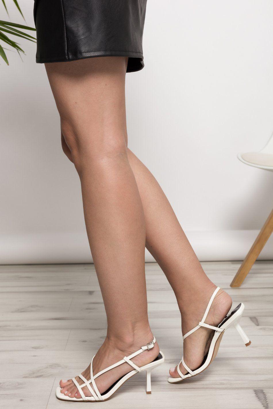Sandalia tacón tiras