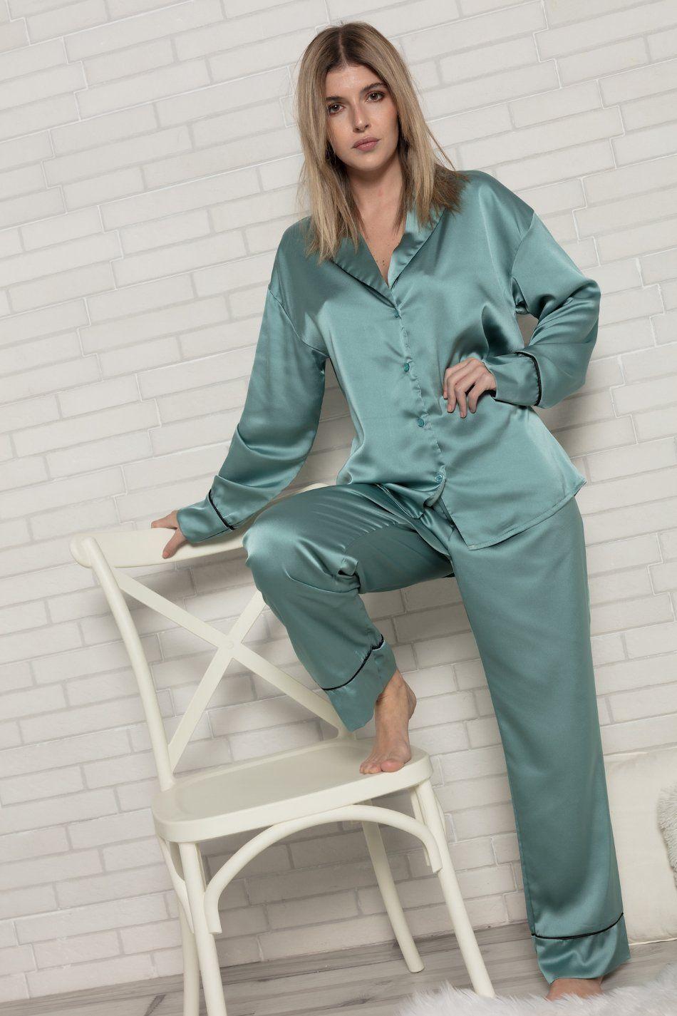 Pijama satinado verde