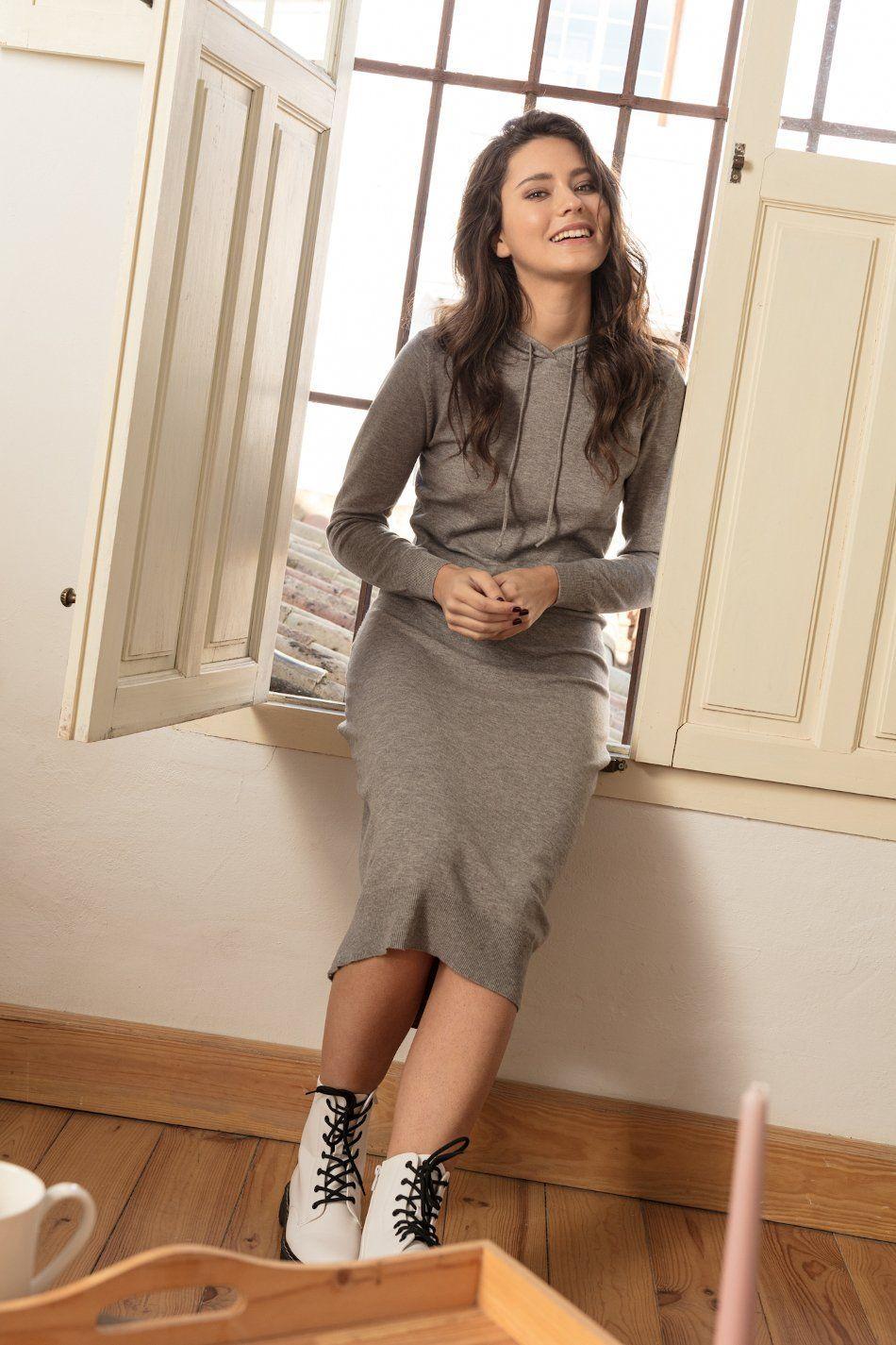 Vestido midi punto gris