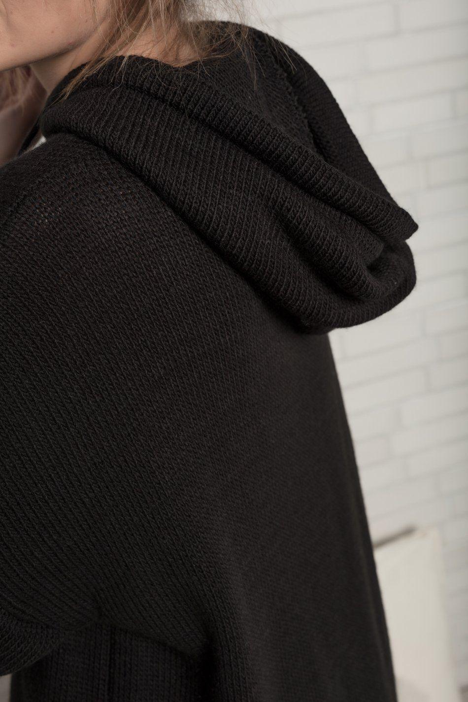 Vestido punto capucha negro