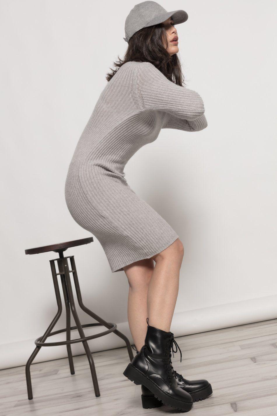 Vestido canalé pico gris