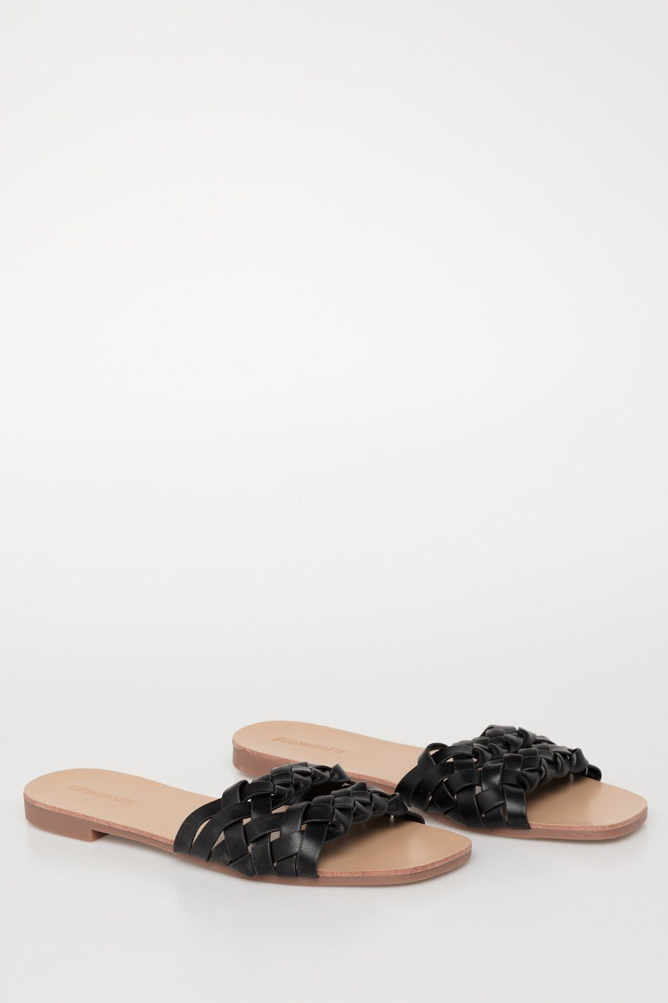 Sandalia plana pala trenzada negro